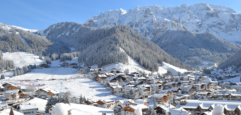 Italy_The-Dolomites-Ski-Area_Selva_Resort-view.jpg